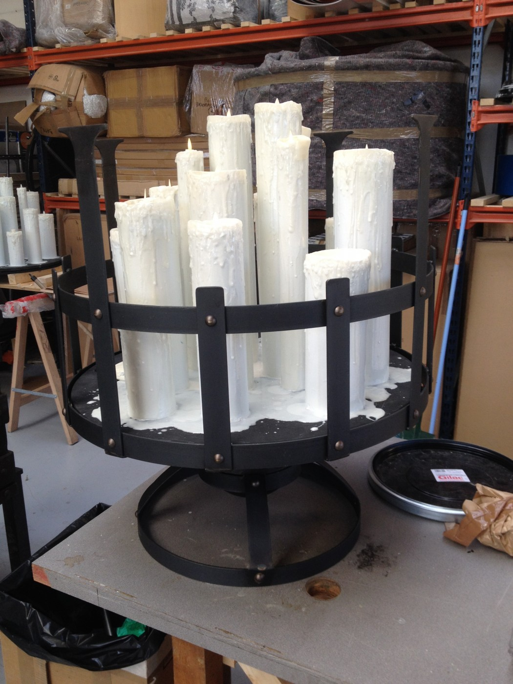 photo-accessoire-theatre-candelabrebas-bougie-serrurerie