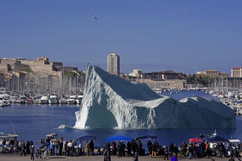 Vieux Port Iceberg Marseille décor pastis 51 glacé