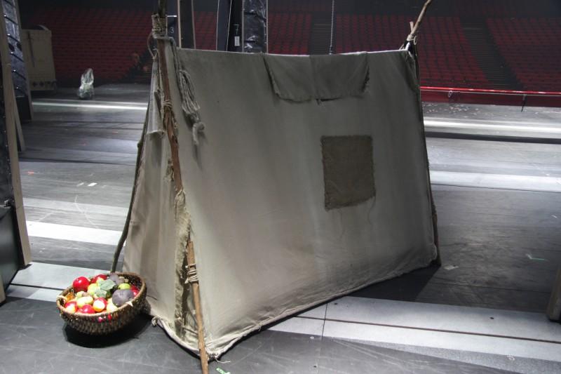 photo-accessoires-theatre-robin-tente