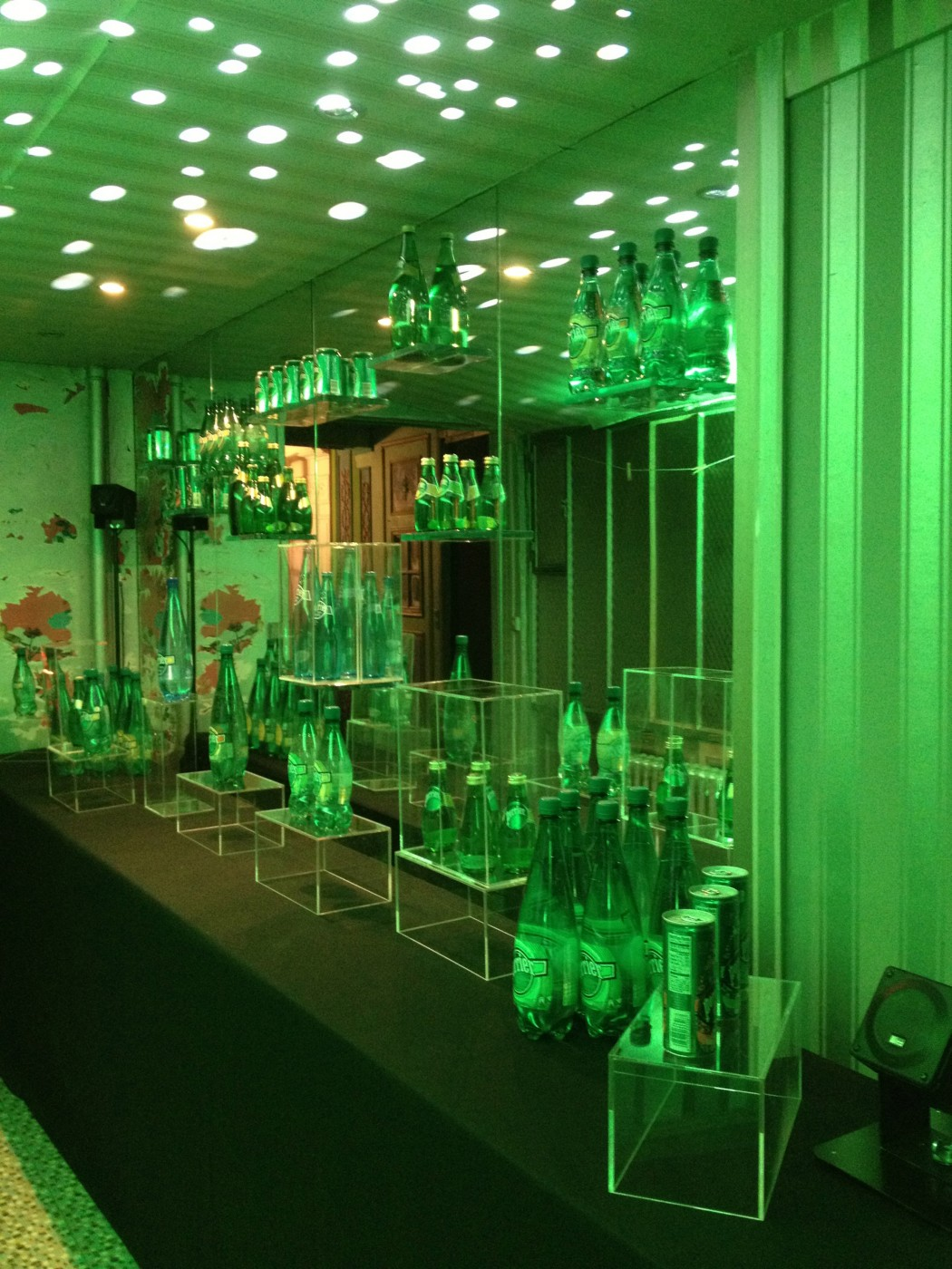 photo-perrier-150-ans-bar
