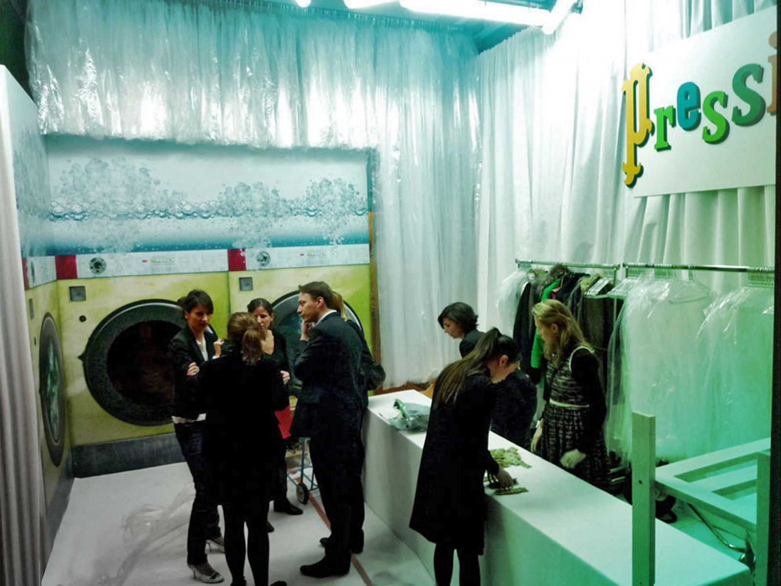 photo-perrier-150-ans-pressing
