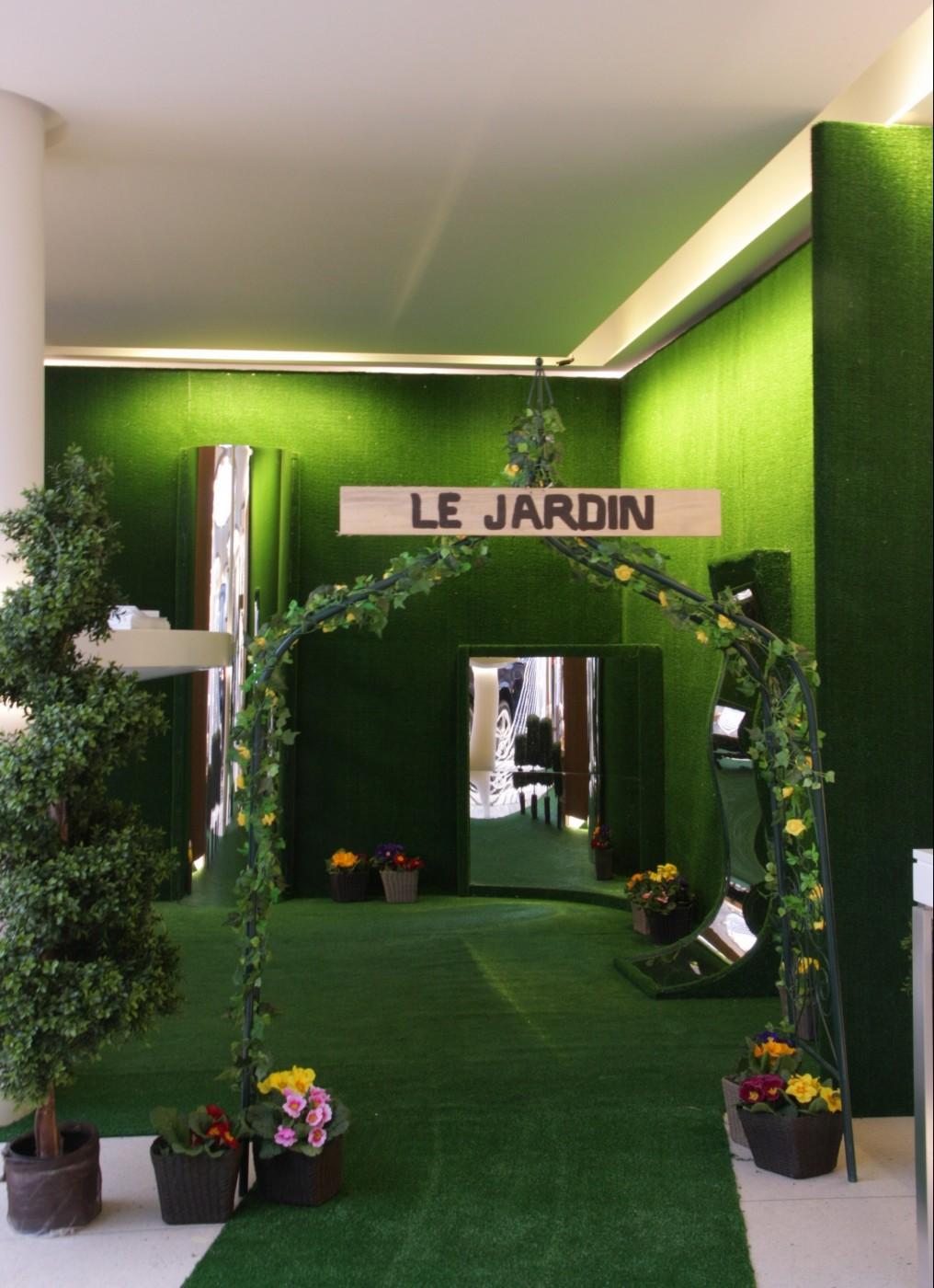 photo-scenographie-evenementielle-bmwferme-jardinet