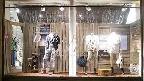 photo-vitrine-de-luxe-diesel2011-general