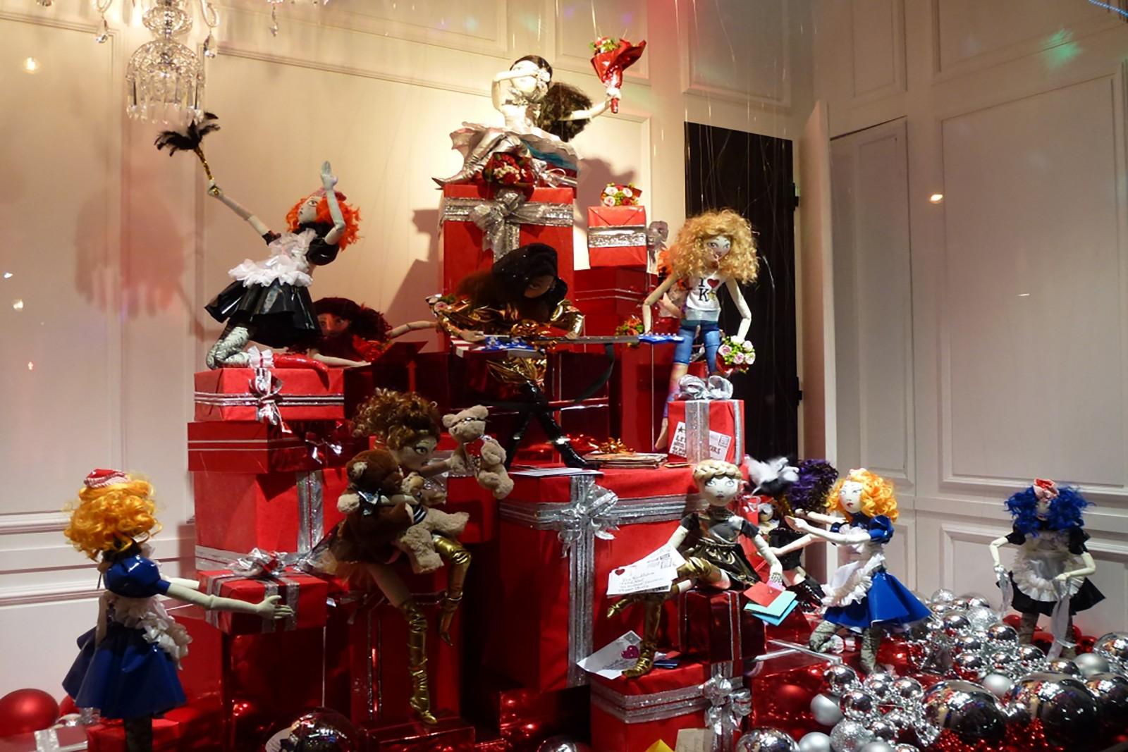 photo-vitrine-de-luxe-galerielafayette-cadeaux