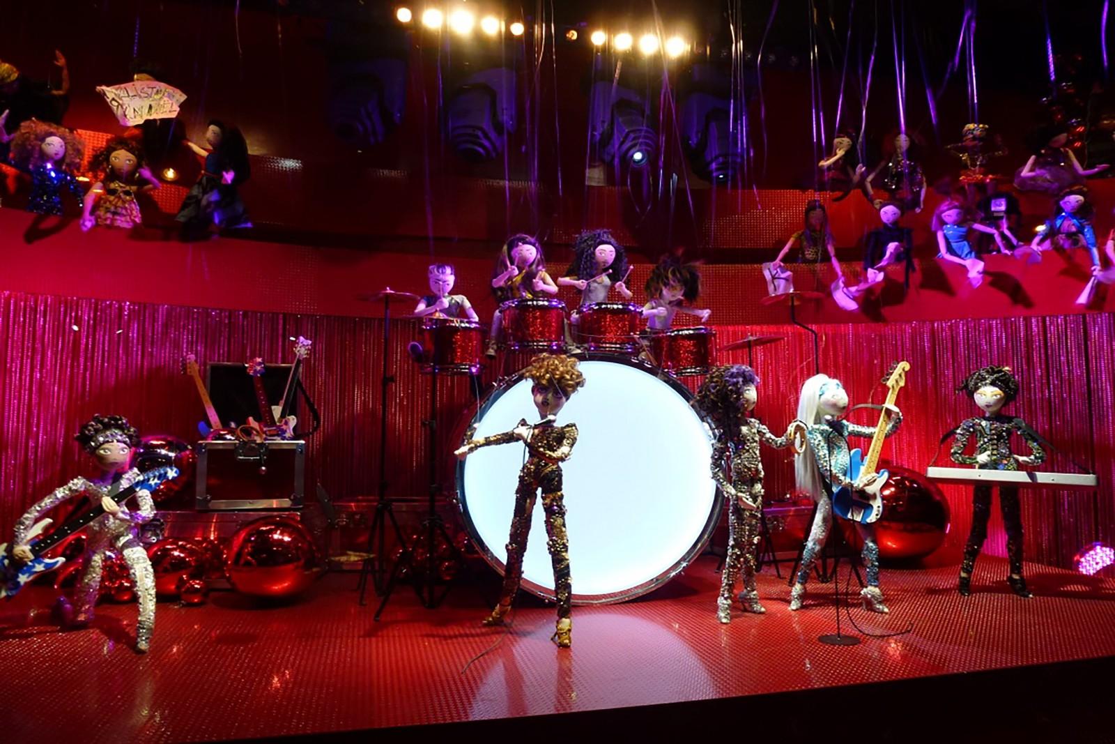 photo-vitrine-de-luxe-galerielafayette-concert