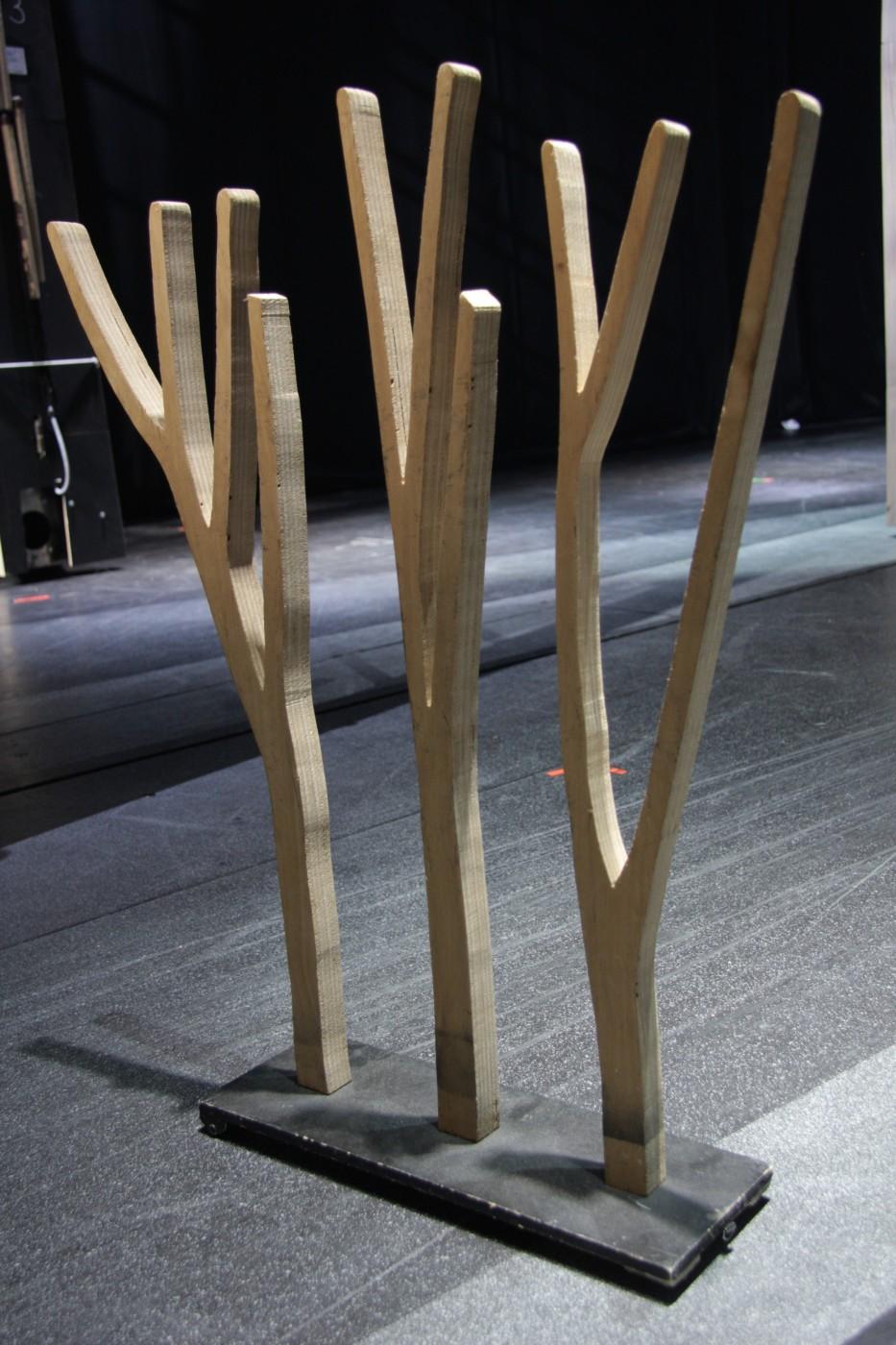 photo accessoires robin des bois arbre