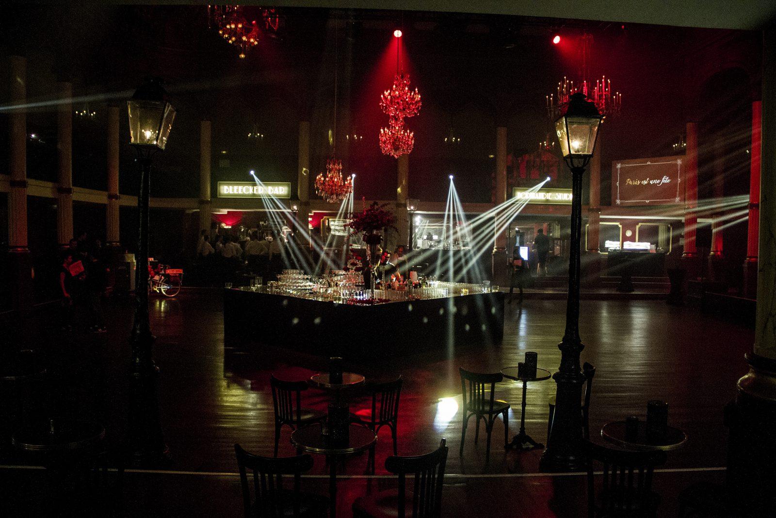 photo-scenographie-evenementiel-rouge