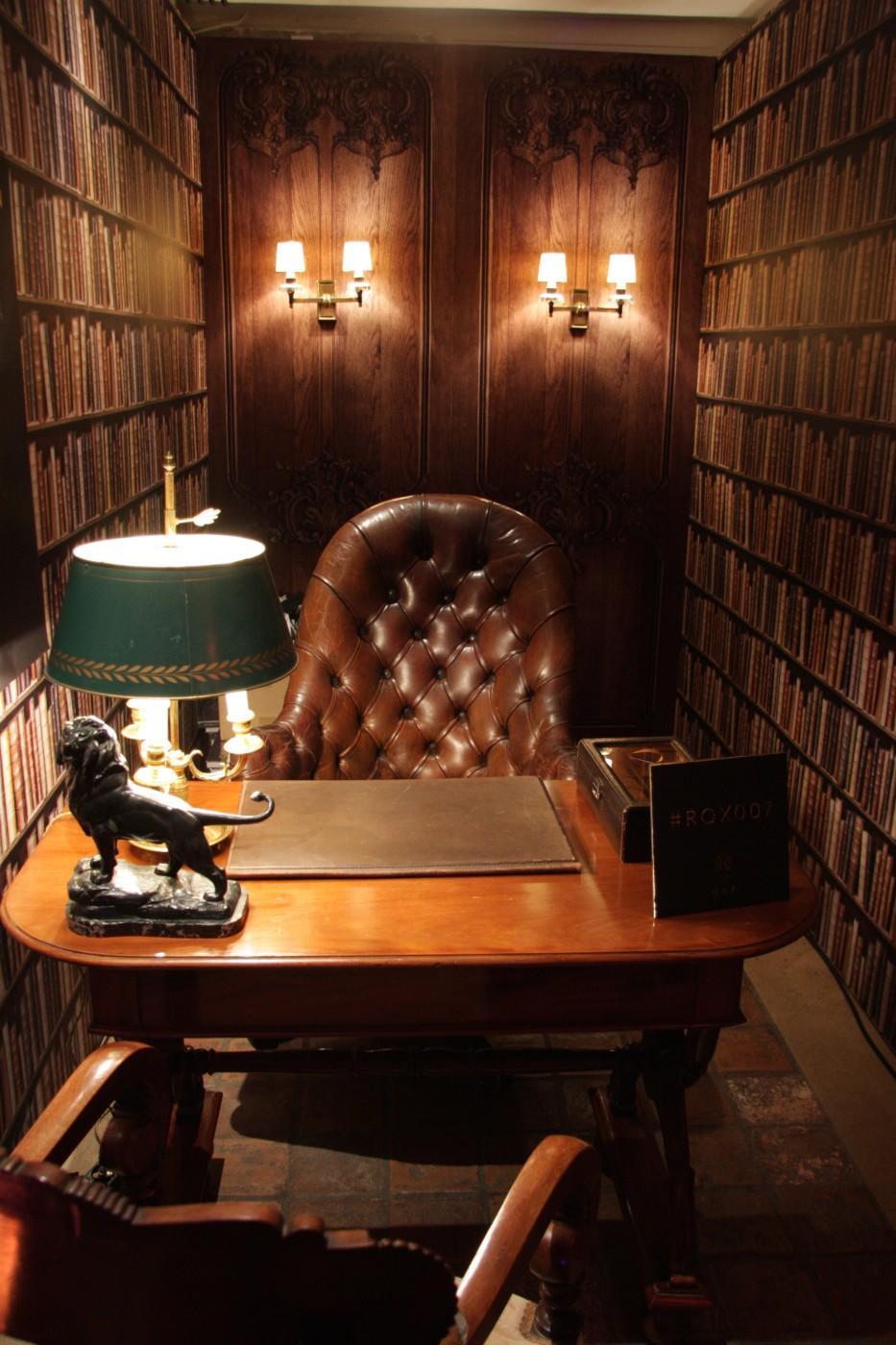 photo Scénographie Royal Quartz bibliotheque