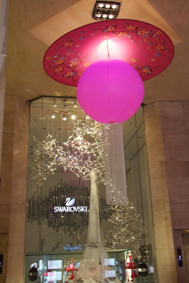 photo-scenographie-evenementielle-carroussellouvre-rose