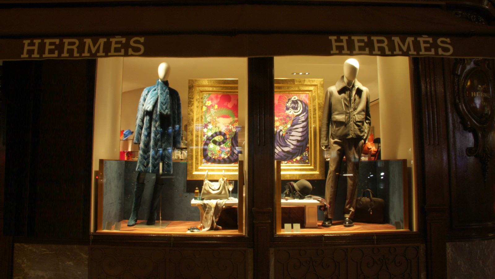 photo-vitrine-de-luxe-hermes2015-general