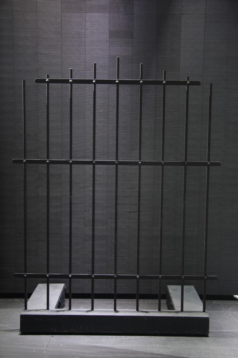 photo-accessoires-theatre-robin-cage
