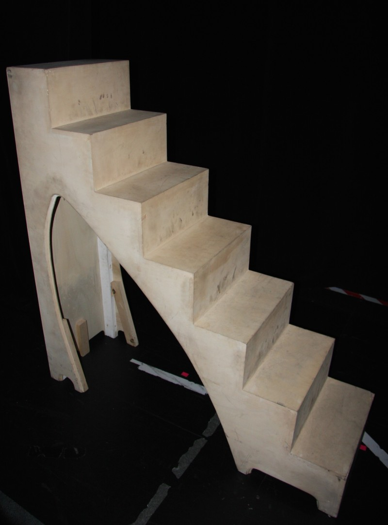 photo-accessoires-theatre-robin-escalier