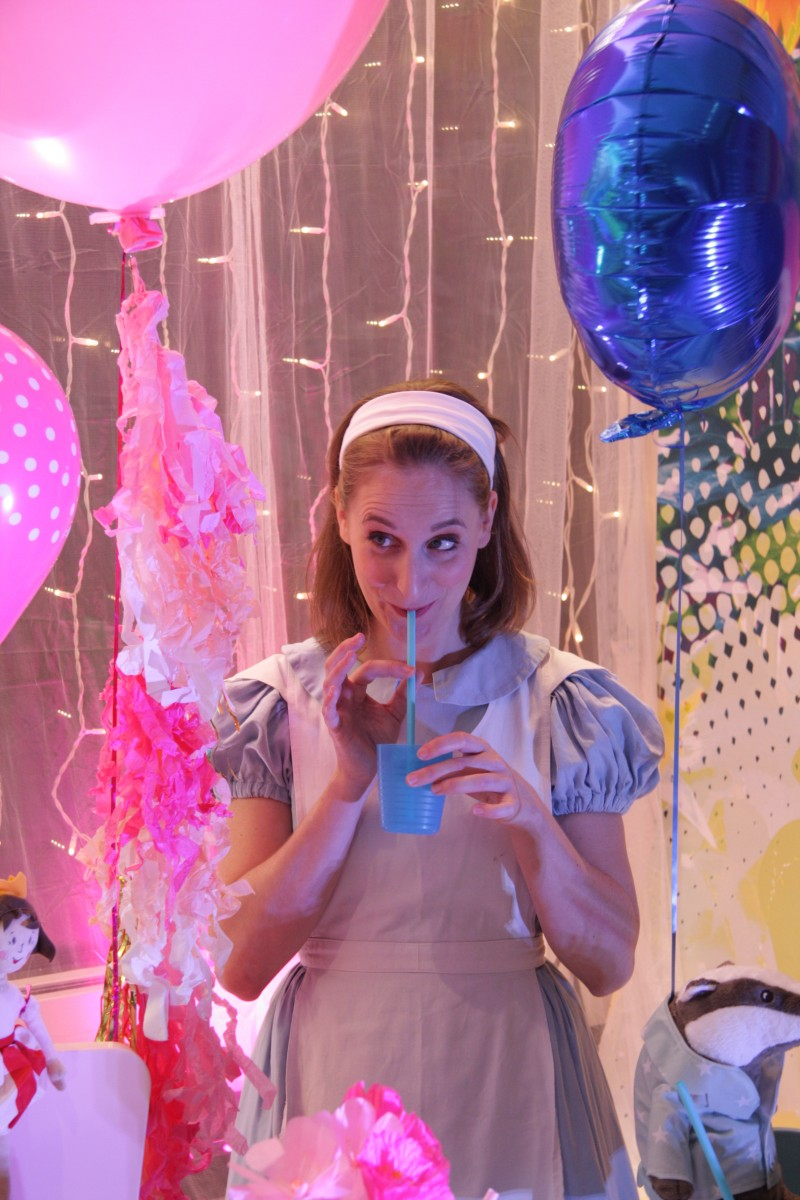 photo Scénographie Alice au pays des merveilles boisson