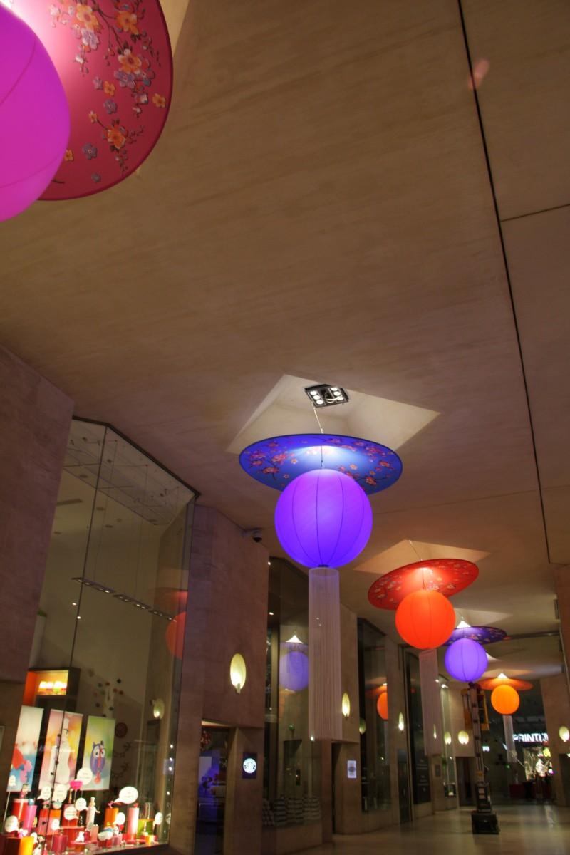 photo-scenographie-evenementielle-carroussellouvre-lampion
