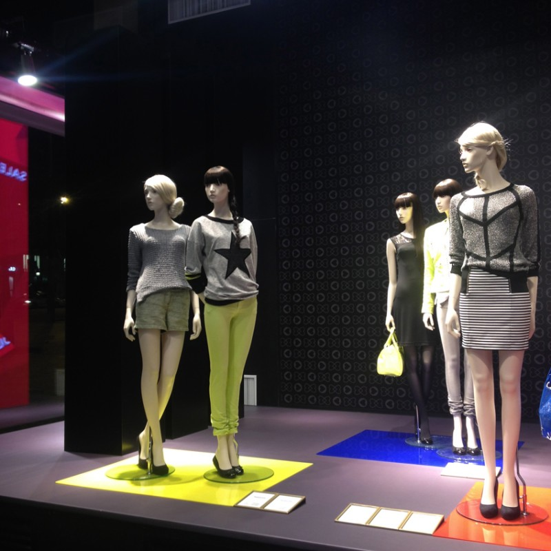 photo Vitrine Morgan - Soldes 2014 mannequins